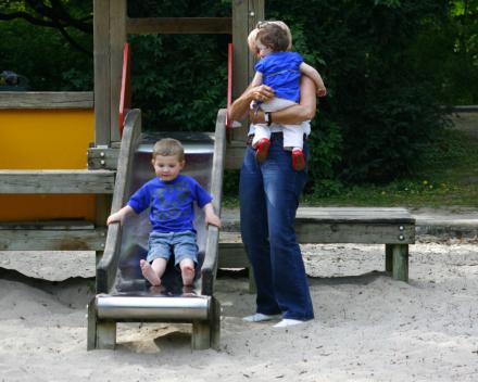 Voorbeeld van een 'klassiek' speelterrein in het park van Wevelgem.