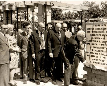 eerstesteenlegging jongensschool Wijnberg - 12 juni 1974